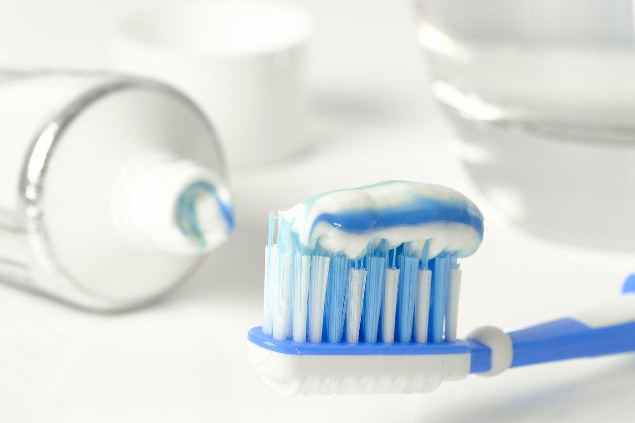 Wie oft sollten Sie sich die Zähne putzen